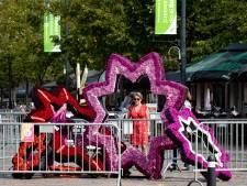 Bloemensculpturen brengen het corsogevoel naar Valkenswaard: 'Zoiets moois creëren voor slechts enkele dagen'
