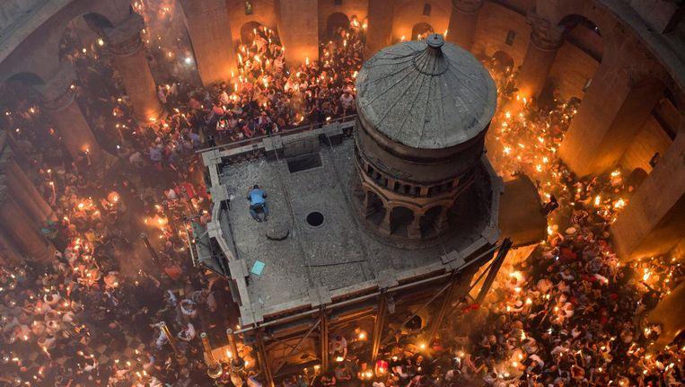 De Heilige Grafkerk in Jerusalem aan de vooravond van het Orthodoxe paasfeest. Beeld epa