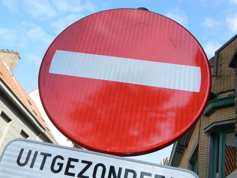 De Zuidmoerstraat wordt onderbroken.