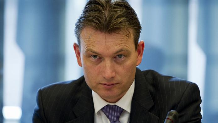 Staatssecretaris Halbe Zijlstra, die verantwoordelijk is voor de rijksarchieven.