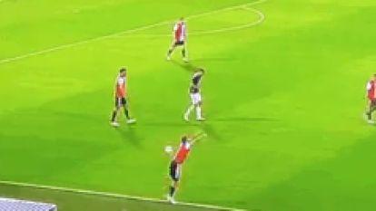 """Rechtsachter van Feyenoord illustreert Europees debacle met abominabele inworp: """"We vragen ons allemaal af hoe zoiets kan"""""""