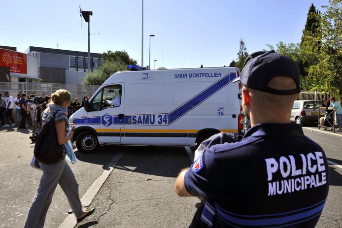 Lycée Jean Moulin, Béziers. En 2011, une professeure de mathématique s'immole en pleine cour de récréation.