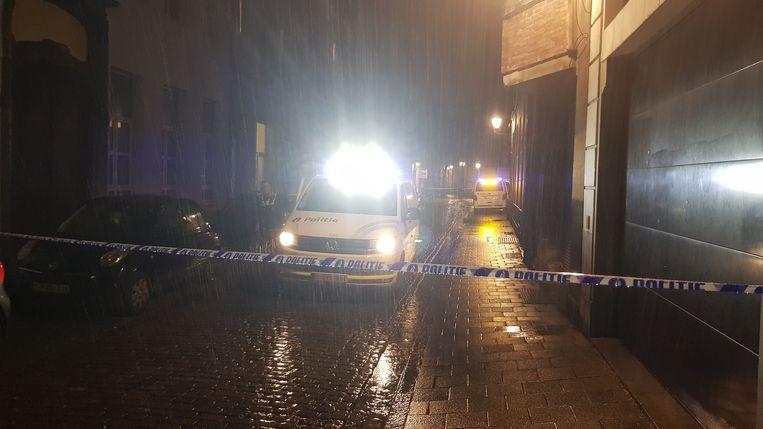 De feiten speelden zich af in de Raapstraat, vlak bij de Antwerpse Stadswaag. De verdachte sneed met zijn scheermes de keel over van Maria Struyf.