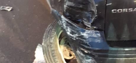 Flinke schade aan auto na aanrijding A29: veroorzaker gaat er snel vandoor
