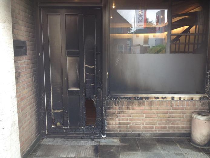 De voordeur van de UVBO.