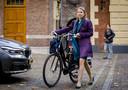 Staatssecretaris Stientje van Veldhoven van Infrastructuur en Waterstaat (D66) arriveert op het Binnenhof voor de wekelijkse ministerraad