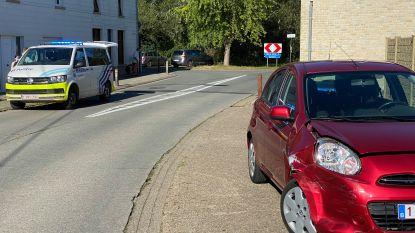 Brokken op kruispunt Broekstraat-Doorsteekstraat