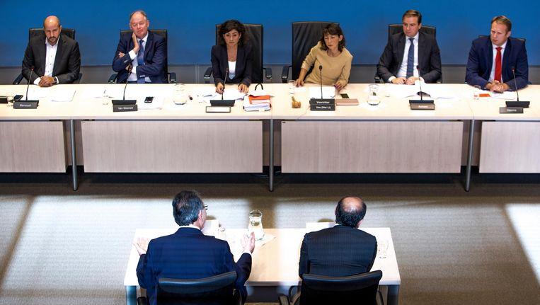 V.l.n.r.: Linda Voortman (GroenLinks), Ahmed Marcouch (PvdA), Paul van Meenen (D66), Sadet Karabulut (SP), Mei Li Vos (PvdA), Malik Azmani (VVD), Pieter Heerma (CDA) en Selcuk Öztürk (DENK) tijdens het rondetafelgesprek met de organisaties Turkse Arbeidersvereniging in Nederland (HTIB) en Federatie van Democratische Vereniging van Arbeiders uit Turkije in Nederland (DIDF). Beeld Freek van den Bergh / de Volkskrant
