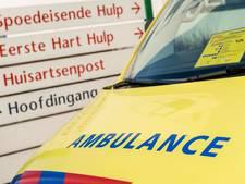 Bromfietser gewond na aanrijding met bestelbusje op N201