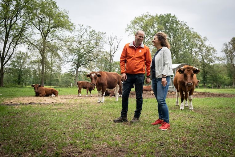 Boudewijn Tooren en Mia Spruit op de Herenboerderij in Boxtel  Beeld Roos Pierson
