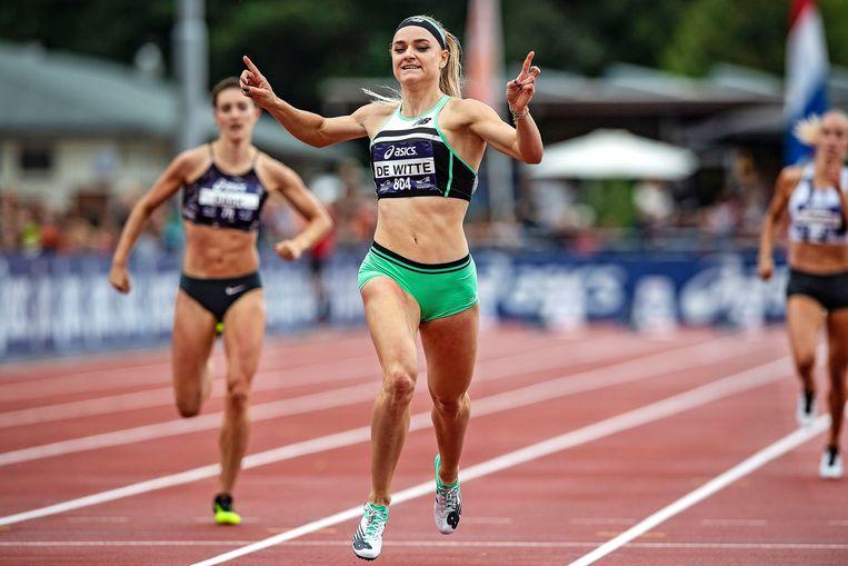 Lisanne de Witte wint de 400 meter. Beeld Guus Dubbelman / de Volkskrant