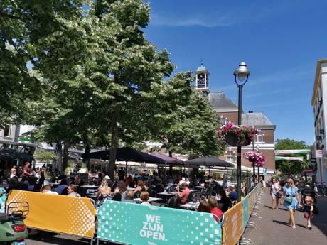 Burgemeester Heerts: 'Fijne start van heropening horeca in Apeldoorn. Geparkeerde fietsen nog een aandachtspunt'