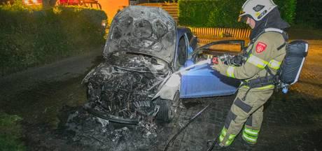 Auto in vlammen op in Huissen