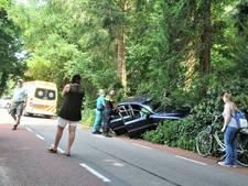Man rijdt tegen een boom in Wageningen