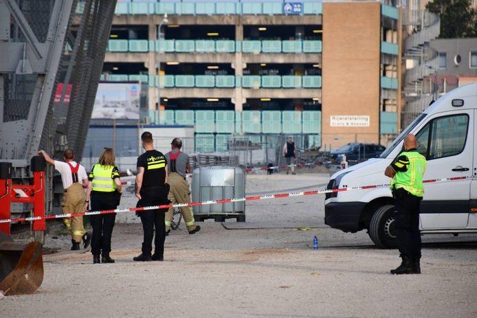 De politie doet onderzoek in de omgeving van de Scheldekraan.