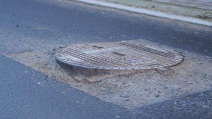 Vijf dagen verkeershinder om riooldeksels te vervangen