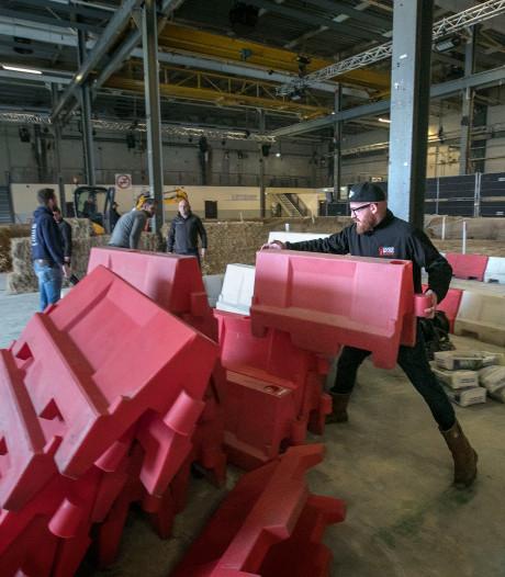 Lekker lomp crossen met viertakt motoren in Klokgebouw Eindhoven