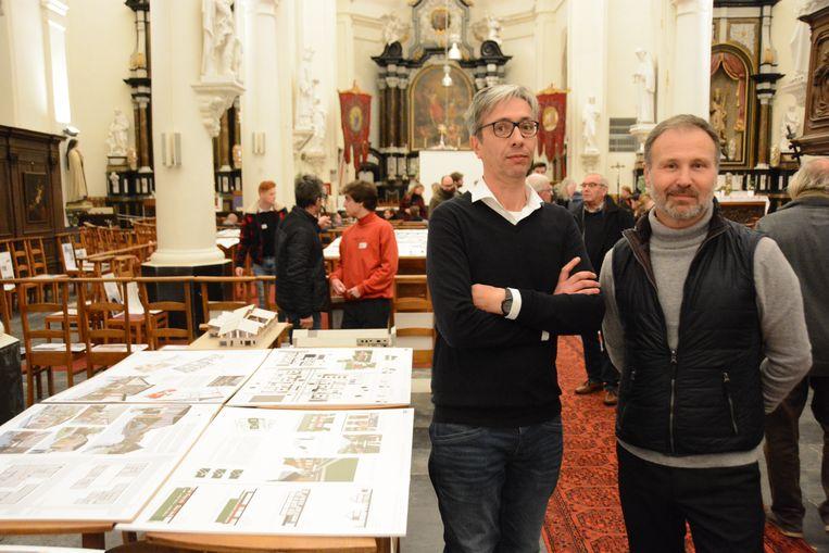 Docenten Joris Van Reusel en Daan De Volder zijn ervan overtuigd dat Doel opnieuw een leefbaar dorp kan worden.