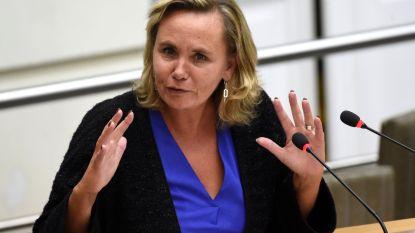 Groen eist ontslag van Homans, maar minister ontkent link met vluchtelingencrisis te hebben verzonnen