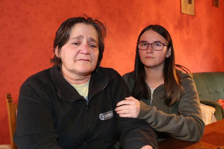 Mama Marijke Simons en zus Maggie Vandereyt weten met hun verdriet nauwelijks blijf.