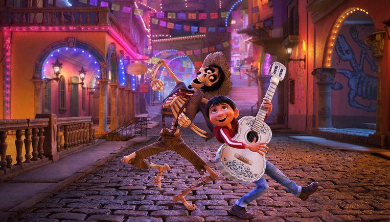 Hector (links) en Miguel (rechts), twee personages uit de nieuwe Pixarfilm Coco.
