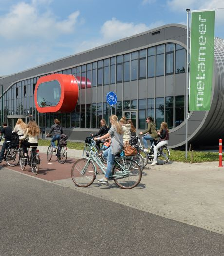 Corona-uitbraak op school in Boxmeer: ruim 200 examenleerlingen naar huis, toetsweek later