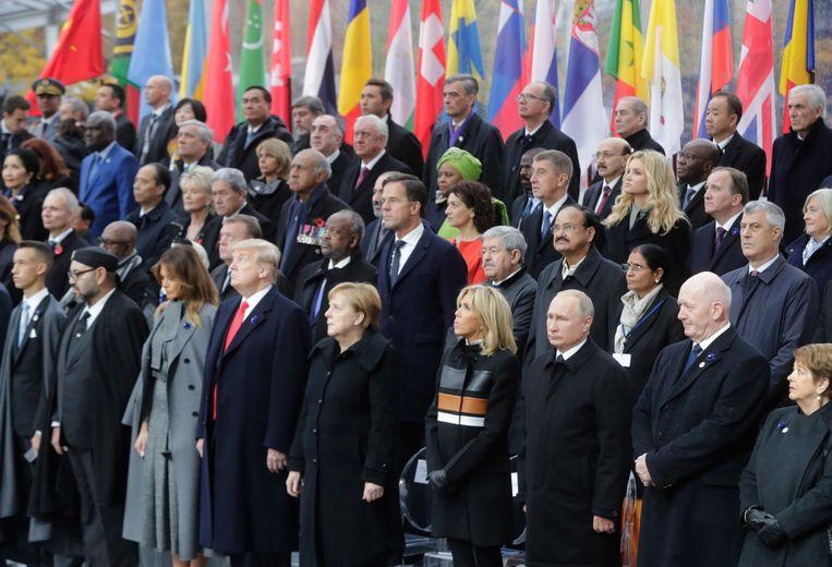 De Franse president Emmanuel Macron had vandaag maar liefst 130 wereldleiders op de lunch. Beeld EPA