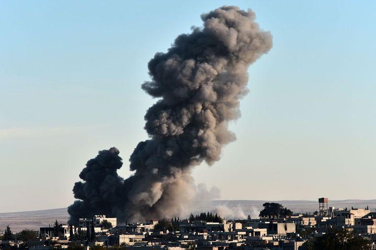 Dit weekeinde werden opnieuw posities van IS in Kobani gebombardeerd door de VS. Beeld afp