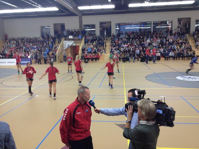 Sercodak/Dalfsen speelt voor een vol huis tegen het Servische Izvor.
