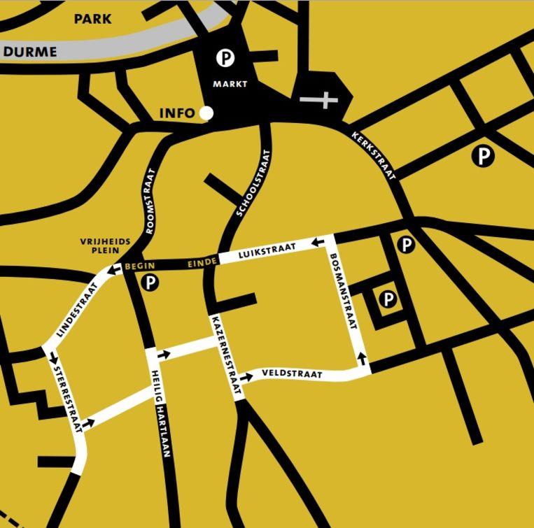 Het plannetje van de fotowandeling door de wijk die getroffen werd door het bombardement.