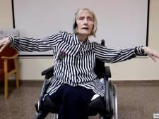 Atteinte d'Alzheimer, cette ancienne ballerine se remémore la chorégraphie du Lac des cygnes