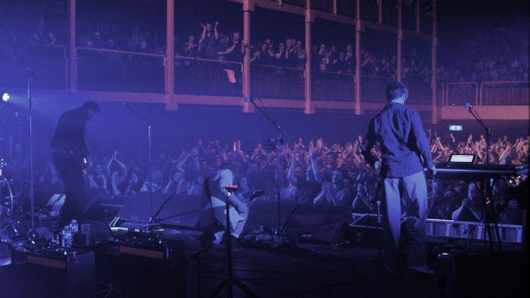 De AB tijdens een dEUS-concert.