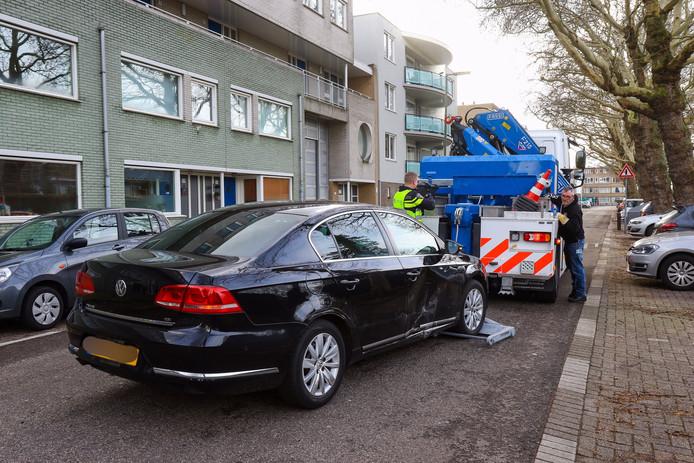 De politie heeft in Schiedam een auto in beslag genomen.