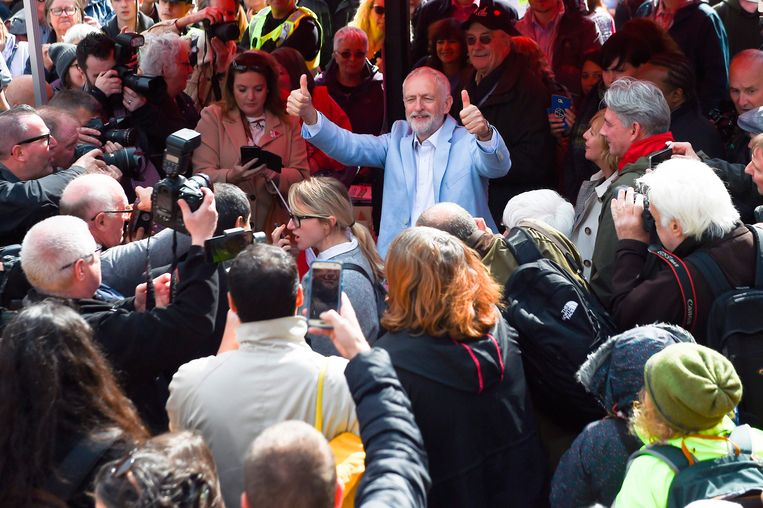 Oppositieleider Jeremy Corbyn kwam het protest steunen.
