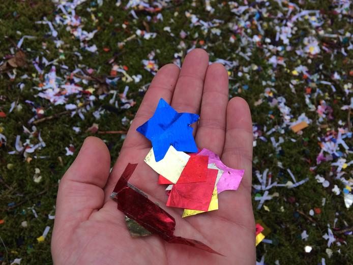 Plastic confetti