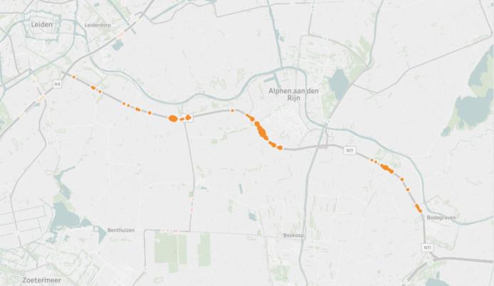 Er is geen provinciale weg met zoveel flitsmeldingen per kilometer als de N11 tussen Bodegraven en Leiden. Flitsmeldingen uitgelicht in oranje.