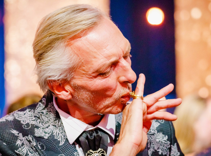 Martien Meiland tijdens de uitreiking van de 54ste Gouden Televizier-Ring voor het beste televisieprogramma van het afgelopen jaar.