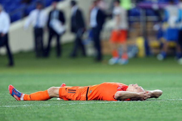Arjen Robben baalt van de uitschakeling op het EK 2012. Beeld anp