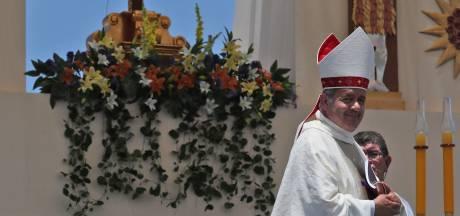 Chileense bisschop schorst twaalf priesters wegens sekschats