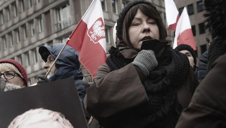 Polen betogen afgelopen weekend tegen ingrijpen bij de omroep. Beeld Daniel Rosenthal / de Volkskrant