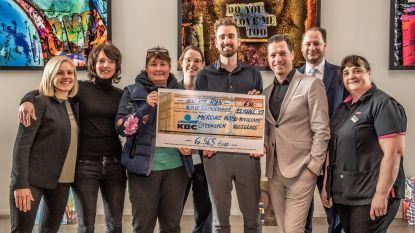Hotel Mercure en Steenoven schenken cheque aan Kom op tegen Kanker