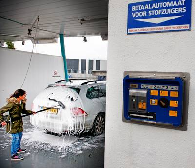 Beuningse autowasserettekraker 'collecteerde' duizenden euro's