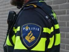 Politie houdt verwarde man met wapen aan in Marknesse
