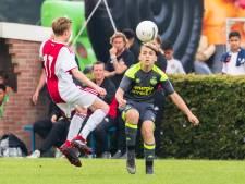 Barcelona wint Marveldtoernooi in Groenlo met swingend voetbal