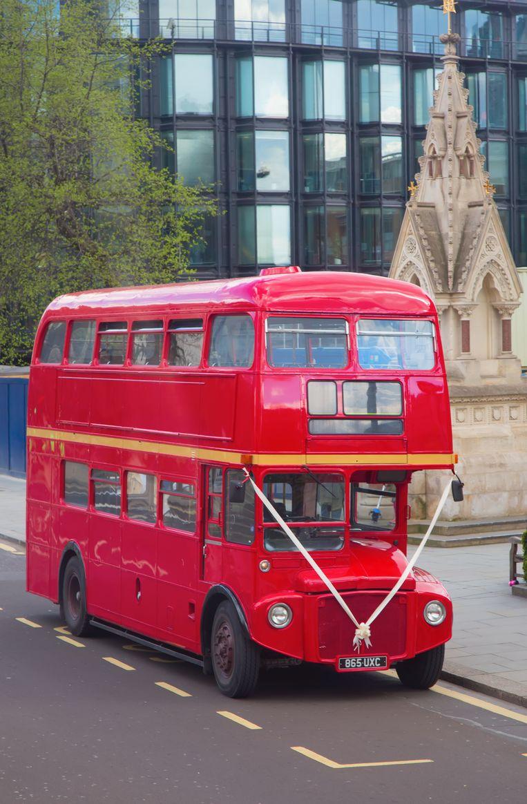 Een traditionele Londense dubbeldekker.  Beeld null