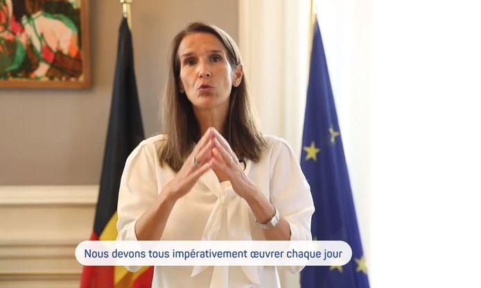 """""""La meilleure de nos protections reste le respect des gestes-barrières"""", a insisté la Première ministre Wilmès"""
