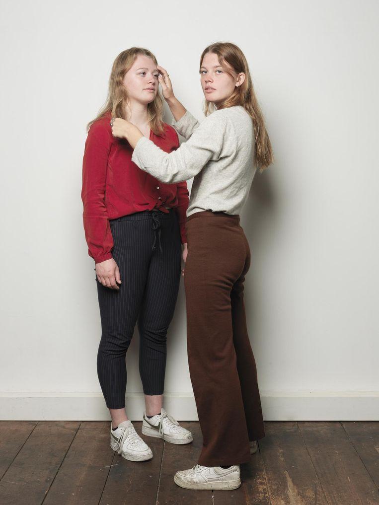 Roos (links) en Lotte Klaver Beeld Annaleen Louwes