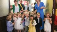 """VIDEO. Kleuters van De Bosrank """"trouwen"""" en maken er een mooi feest van in Zingem"""