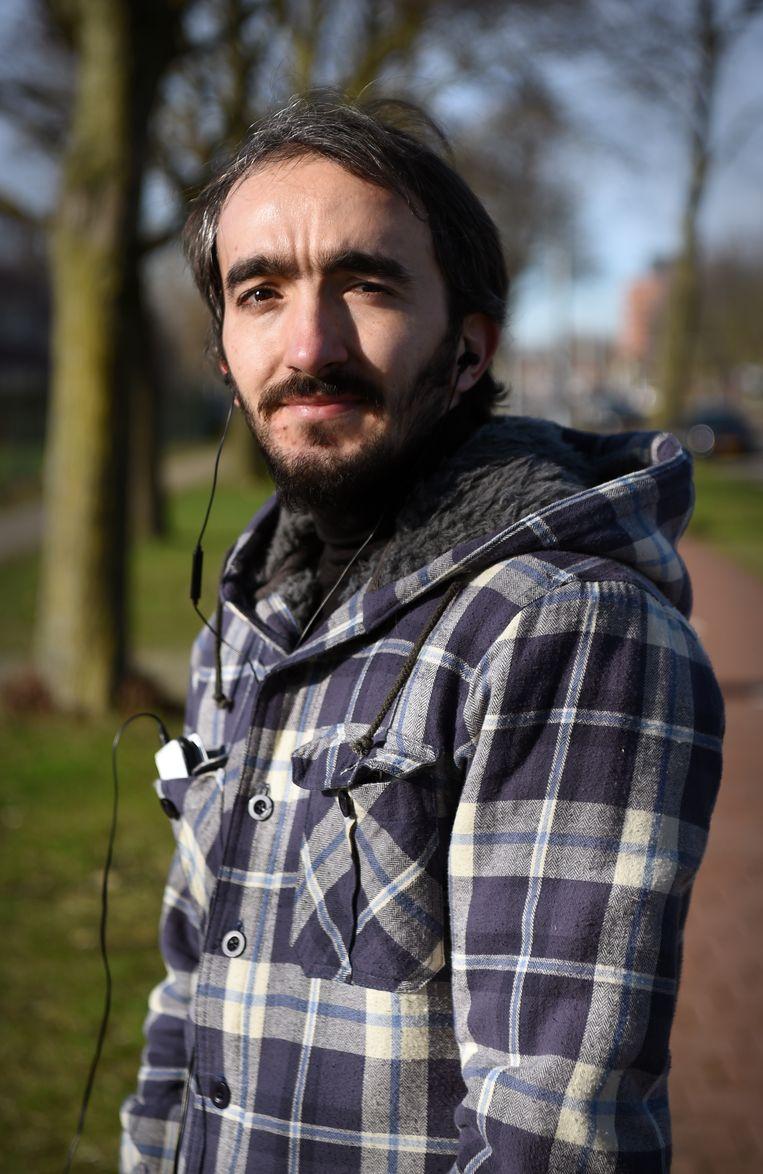 Adem Korkut: 'Ik maakte in de gevangenis tekeningen van koffie'  Beeld Marcel van den Bergh