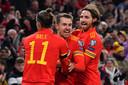 Aaron Ramsey en Gareth Bale vieren feest.